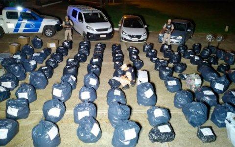 Incautaron más de cuatro millones de pesos en allanamientos por contrabando