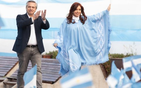 Alberto Fernández arma un gabinete numeroso para un nuevo país