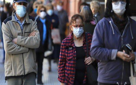 Según las encuestas, la mayoría de la población prioriza la salud por sobre la economía