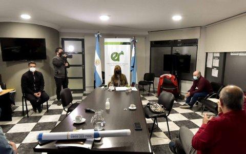 """Evalúan la evolución de los brotes calificados como """"complejos"""" en Paraná y Gualeguaychú"""