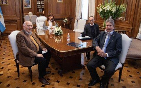 Cristina Fernández recibió a representantes de cámaras agrícolas