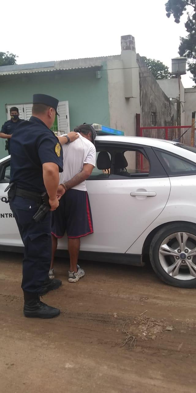 Intentó agredir al personal policial al ser interceptado
