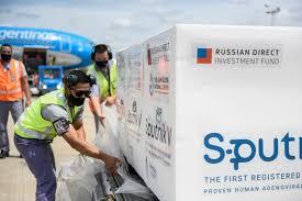 Llegaron al país en un vuelo de Aerolíneas las 300 mil unidades de la segunda dosis de la vacuna rusa