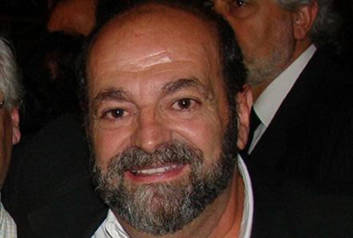 Falleció el profesor Héctor De La Fuente