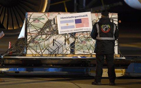 Llegan al país 1,3 millones de AstraZeneca, un nuevo cargamento de Sinopharm y partió otro vuelo