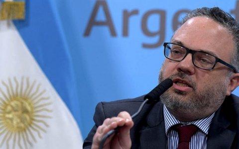 """Tras la derrota en las PASO, el Gobierno salió a descartar un """"cimbronazo cambiario"""""""
