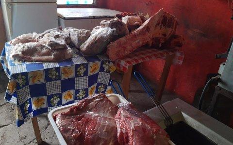 Decomisaron más de 100 kilos de carne vacuna en mal estado en una parrilla ubicada en la Autovía 14