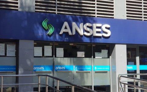 Jubilaciones, asignaciones y otros beneficios de Anses: quiénes cobran este martes 12